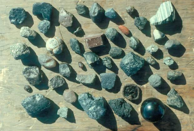 taşlı göktaşları içerdikleri maddeler sayesinde elmasa dönüştürülebilir. Bunlardan takı yapılır