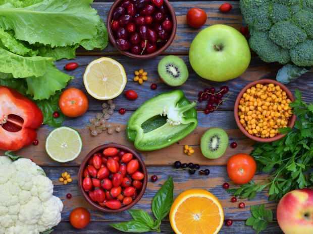 p vitamini bakımından zengin besinler marul ve biberdir