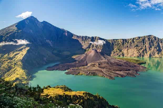 Rinjani Dağı muazzam manzarası