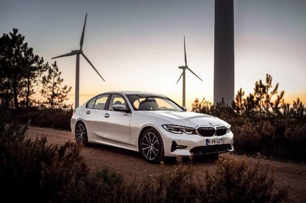 2020 BMW 330e Sedan