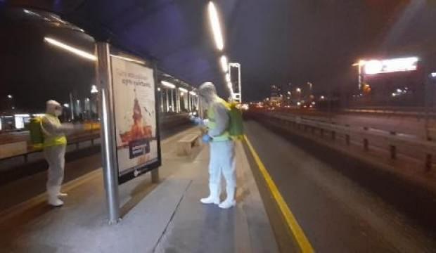 İstanbul'da metrobüs ve duraklarda koronavirüs önlemi