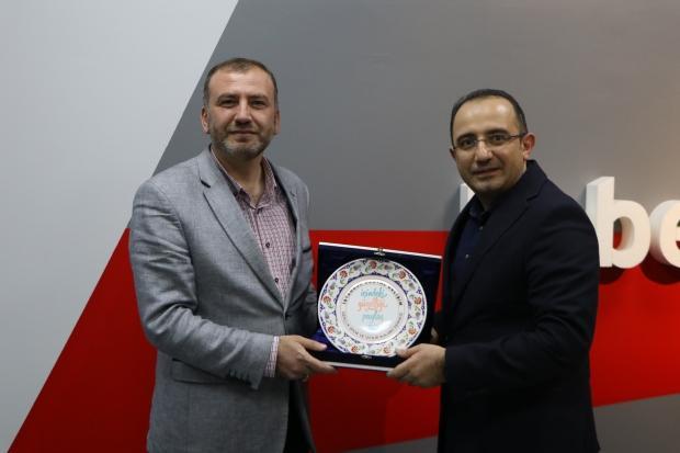 Onur Ocaktan ve Haber7 Genel Yayın Yönetmeni Osman Ateşli.