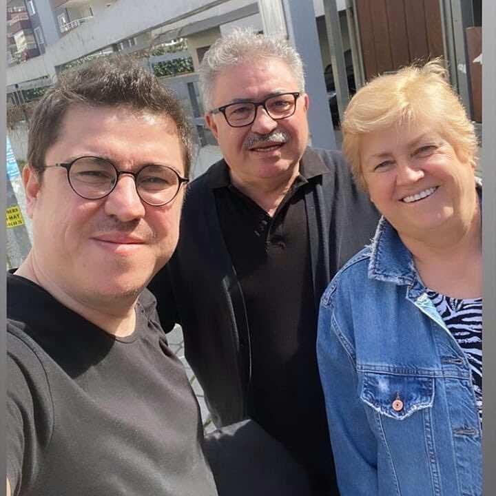 ibrahim büyükak, anne ve babası