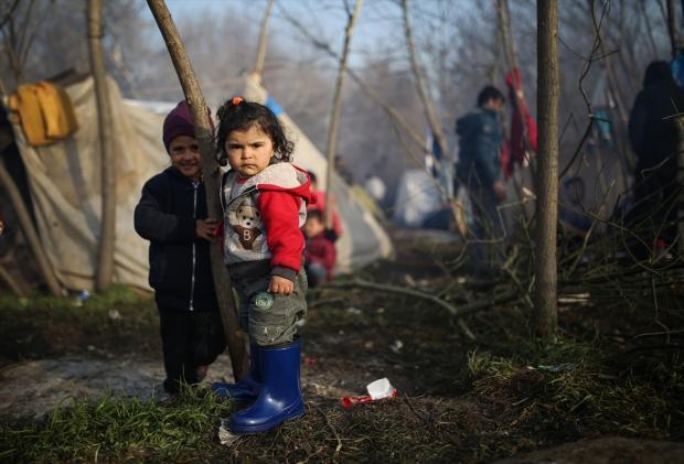 Türkiye-Yunanistan sınırındaki insanlık dramından en çok çocuklar ve yaşlılar etkileniyor...