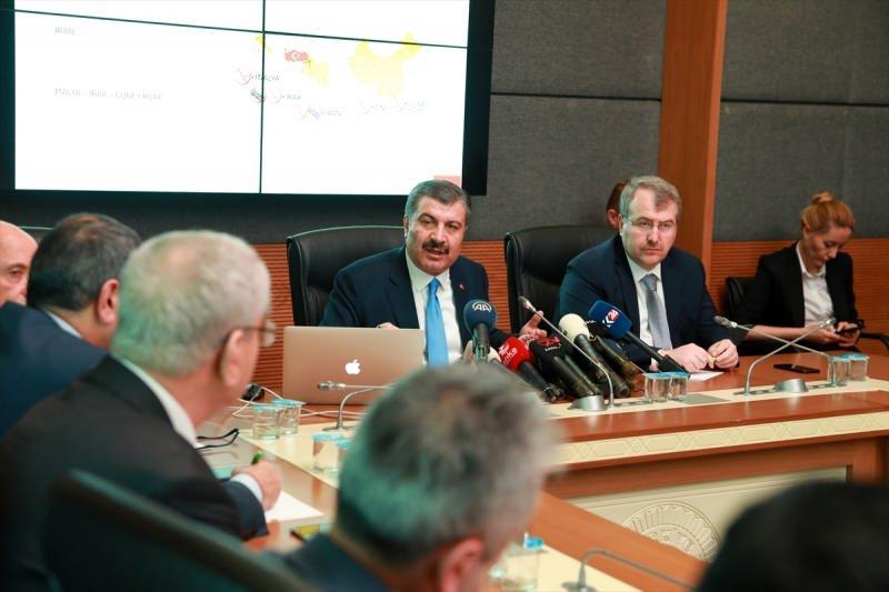 Sağlık Bakanı Fahrettin Koca, TBMM Sağlık, Aile, Çalışma ve Sosyal İşler Komisyonunda, Bakanlığın, yeni tip koronavirüs (Kovid -19) konusunda çalışma ve faaliyetlerine ilişkin bilgilendirme yaptı.