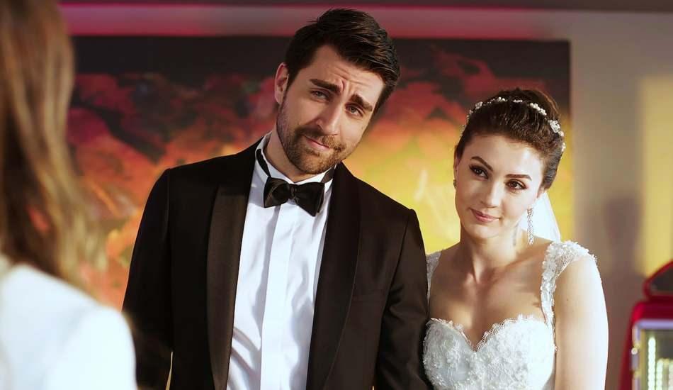 Afili Aşk dizisinden veda pozu!