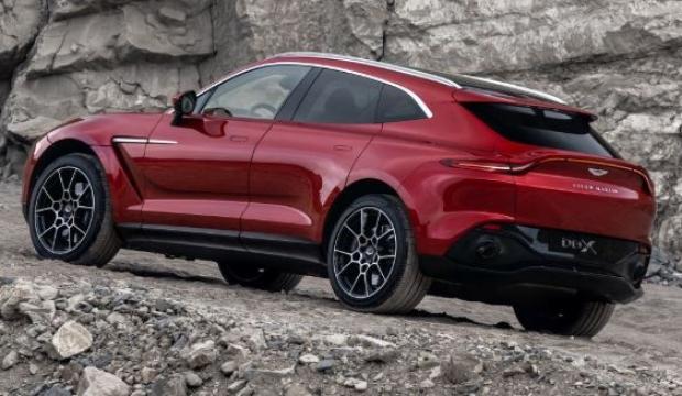 2020 Aston Martin DBX tarih verdi!