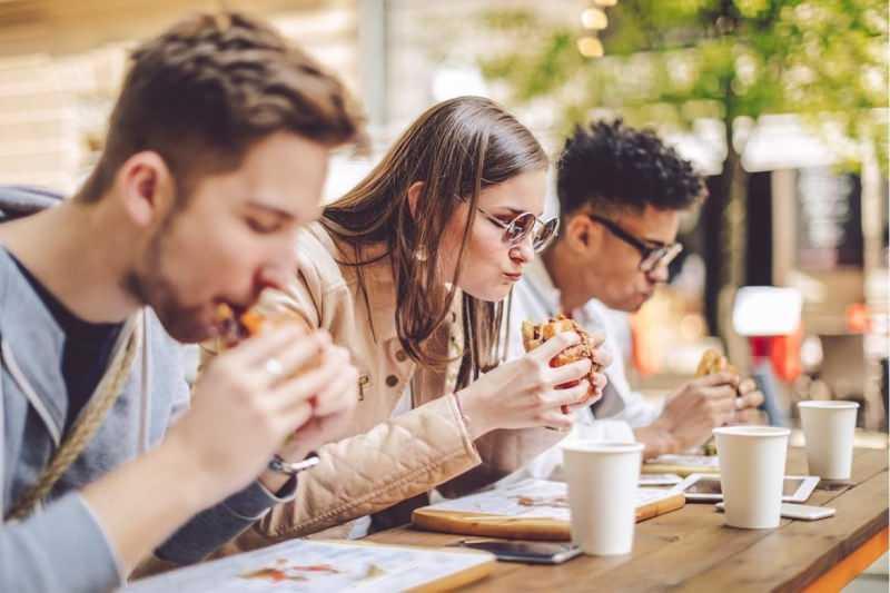 Duygusal açlık nedir? Duygusal açlık belirtileri