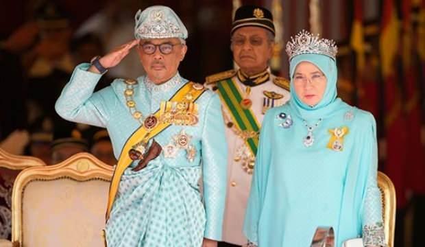Malezya Kralı ve Kraliçesi karantinaya alındı
