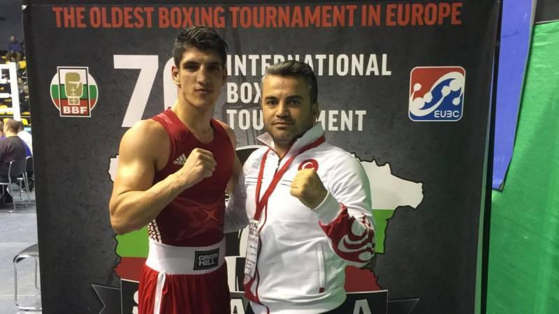 Boks Milli Takımı'nda antrenör Seyfullah Dumlupınar ve milli  sporcu Serhat Güler'in korona virüs testi pozitif çıktı.