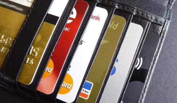Kredi kartı borcu ertelendi mi? 19 banka kredi kartı borçlarını erteledi?