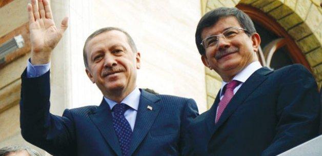 Erdoğan'dan Davutoğlu'na hükümeti kurma görevi
