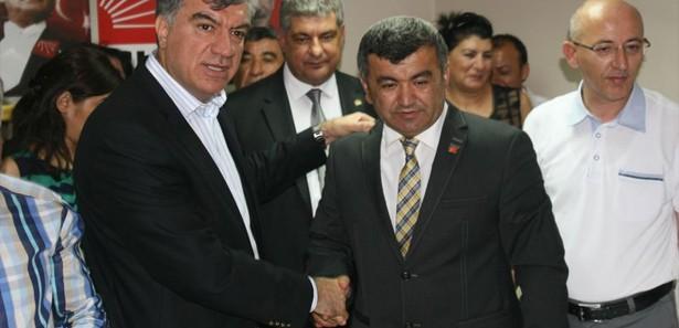 AK Parti'ye seçim öncesi İzmir'de büyük şok