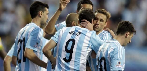 Arjantin tek attı, gruptan lider çıktı
