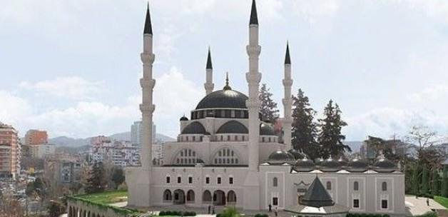 Balkanların en büyük camisinin inşası başlıyor