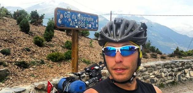 Bisiklet sırtında 21 ülkeyi dolaştı