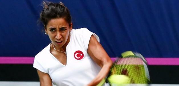 Milli tenisçi Çağla Büyükakçay yarı finalde