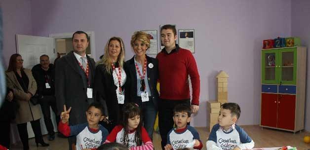 Çocuklar Gülsün Diye Derneği 17'inci okulunu açtı