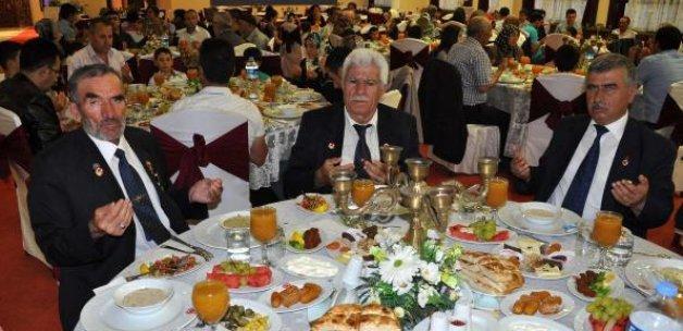 Cumhuriyet Üniversitesinden şehit ailelerine iftar