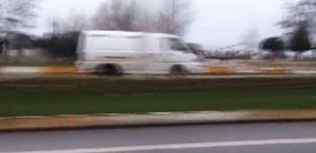 Ehliyetsiz sürücü trafiği birbirine kattı