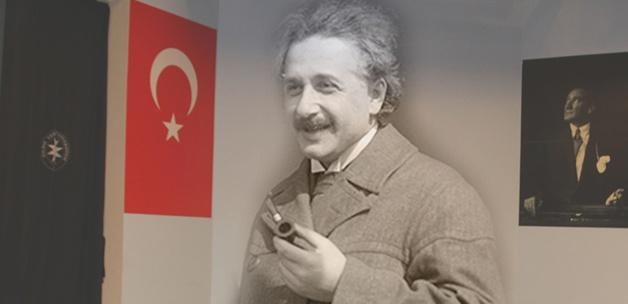 Einstein Yıldız'da kürsüye çıkacak!