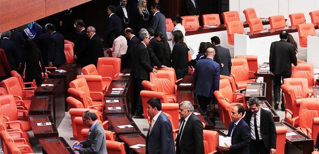 erdoğan meclisi terk etti ile ilgili görsel sonucu