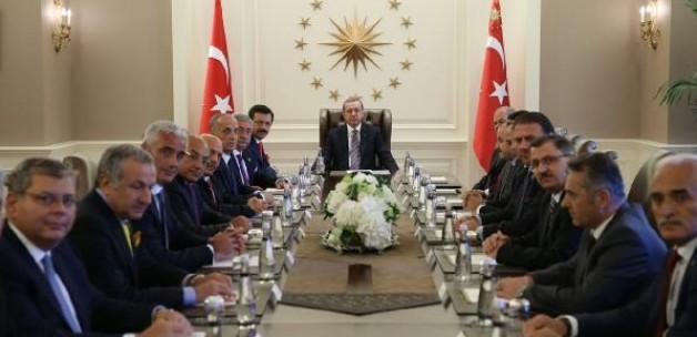 Erdoğan TOBB ve sendika temsilcileriyle görüştü