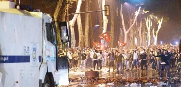 Başbakan Erdoğan'ın evine 3 bin kişiyle baskın