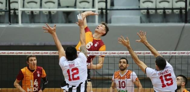 Filedeki derbi Galatasaray'ın!