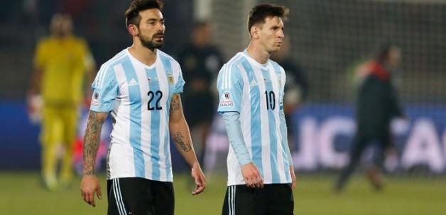 Dev finalde Messi'yi yıktılar