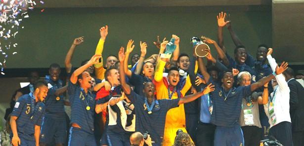 Fransa, 14 yıl sonra kupayı Avrupa'ya taşıdı
