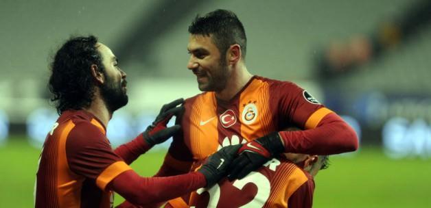 Galatasaray Fenerbahçe'yi lider yaptı!
