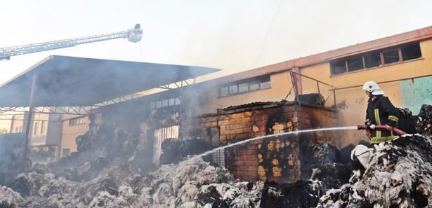 Gaziantep'te iplik fabrikası kül oldu