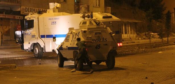 Antakya'da göstericilere polis müdahalesi