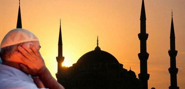 İzmir'de ezan 15 dakika erken okundu!