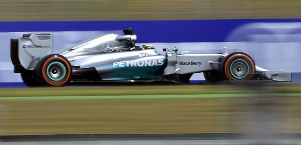 İspanya'da ilk sıra Hamilton'ın!