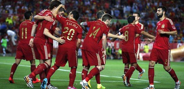 İspanya'dan rahat galibiyet