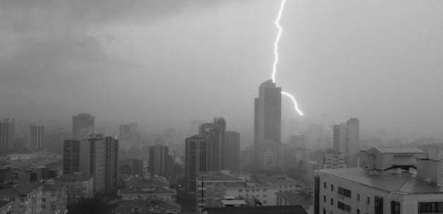 İstanbul'da şiddetli yağış ile ilgili görsel sonucu