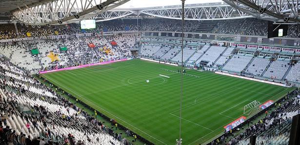 Juven'nin Stadı, mimarisiyle Arena'yı andırıyor