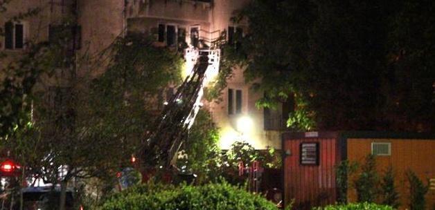 Kadıköy'de polis lojmanında yangın