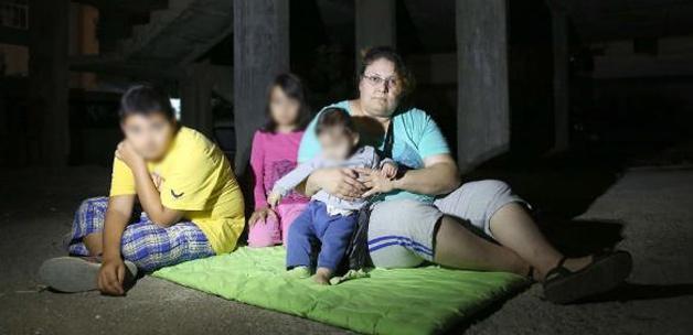 Koca şiddeti 3 çocuğuyla sokakta bıraktı