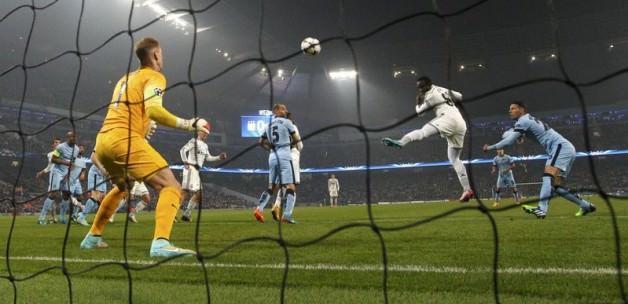 Manchester City'ye evinde ağır darbe