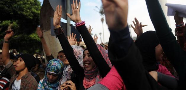 Mısırlı öğrenciler aylar sonra Tahrir'de
