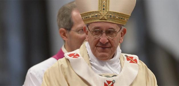 Papa Francesco'dan  'derin' temizlik