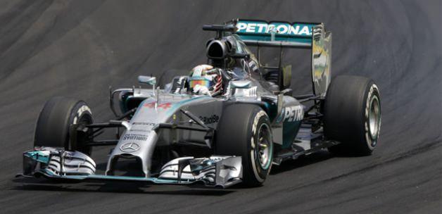 Rosberg, Hamilton'a geçit vermedi