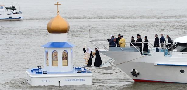 Rusya'nın ilk yüzen kilisesi