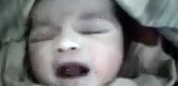 Suriyeli bebek öyle bir 'Allah' dedi ki