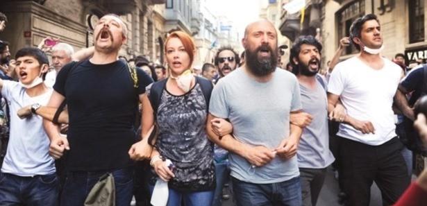 Taksim'deki olayları 'tweet'lerle provoke ettiler