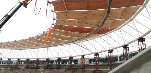 Timsah Arena'nın çatısında sona doğru