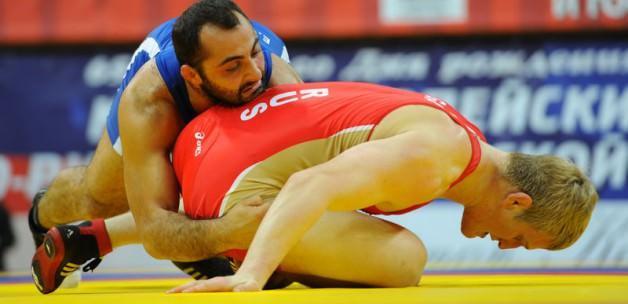 Türk güreşçiler Rusya'dan gümüşle dönüyor